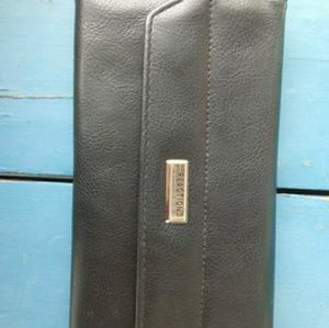 Kenneth Cole women's wallet/clutch